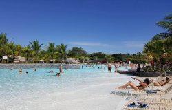 4 benefícios do banho de águas termais de Caldas Novas