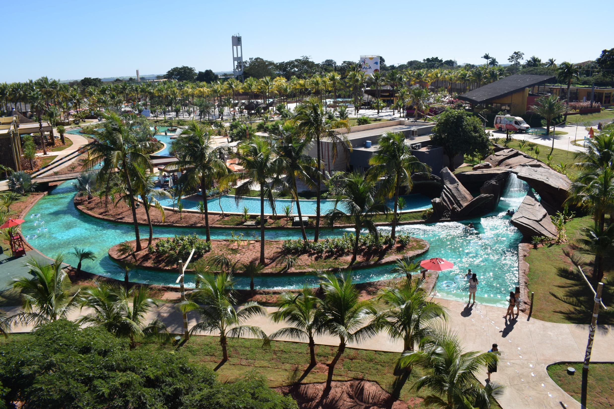 O Parque AquáticoHOT BEACHoferece atrações radicais e moderadas para toda família, em […]